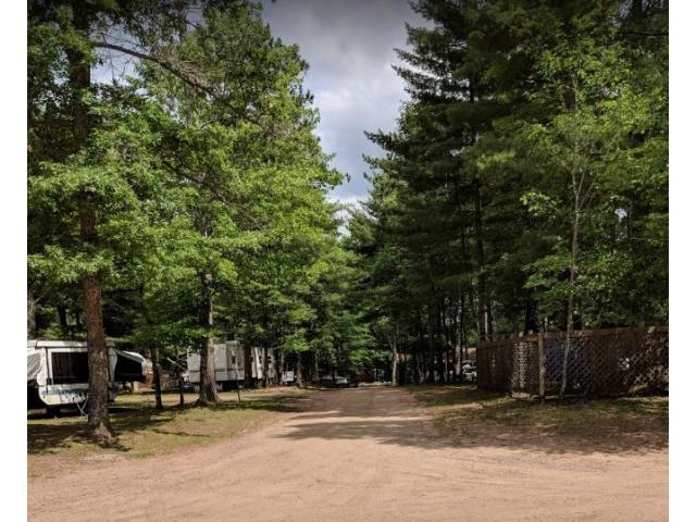 Chain O' Lakes Campground - 3165 Campground Rd
